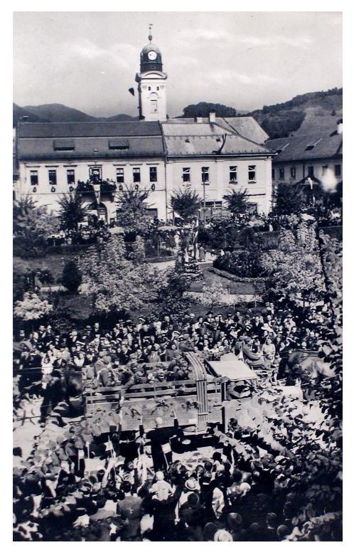 Nagybánya:honvédek felvonulása.1940