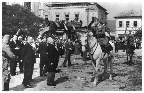 Nagybánya:magyar honvédek bevonulása 1940 szeptember 7-én.