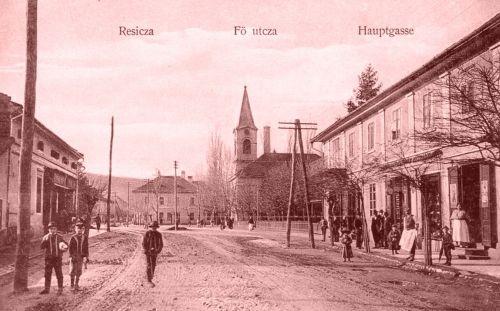 Resica:Fő utca a templommal.1910