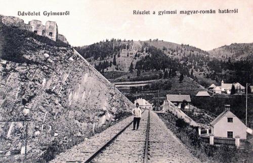Gyimes:magyar-román határ a román oldalról.(balra a Rákóczi vár).1912