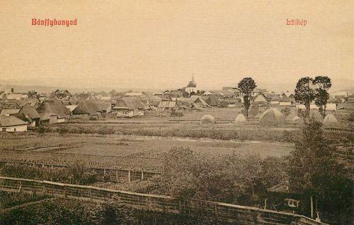 Bánffyhunyad:látkép a templommal.1908