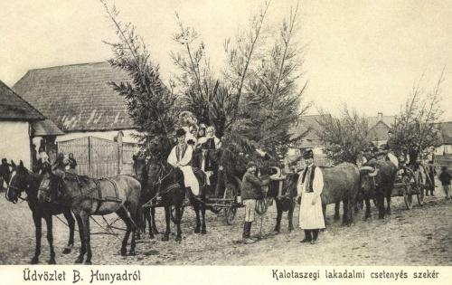 Bánffyhunyad:kalotaszegi lakodalmi csetenyés szekér,1905.