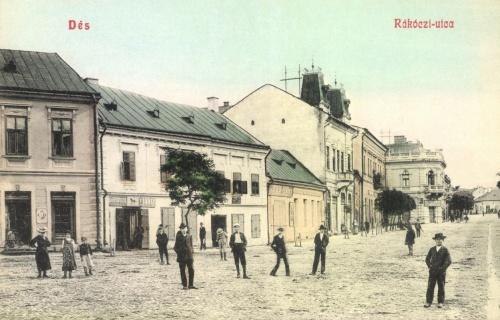 Dés:Rákóczi utca üzletekkel,1908.
