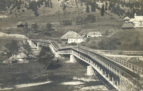 Gyimes:román katonák által felrobantott hid,1916.