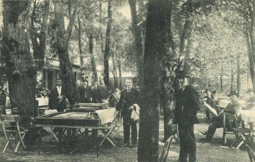 Karánsebes:Lichtnecker vendéglő kerthelyisége,1910.