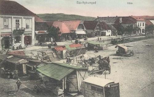 Bánffyhunyad:hetivásár a főtéren.1911
