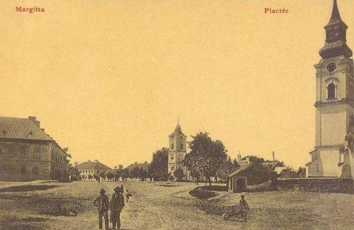 Margitta:piac tér a katolikus és református templomokkal.1908