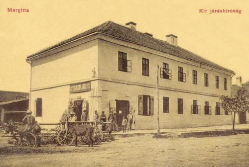 Margitta:Magyar Királyi Járásbiróság és Csengery Antal üzlete,1908