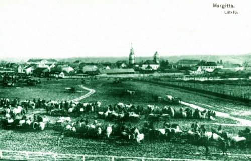 Margitta:vásár a település látképével,1915