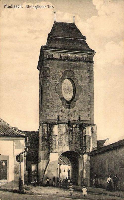 Medgyes:Kő utca a toronnyal.1912