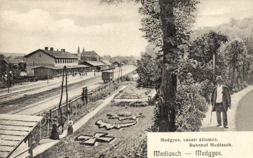 Medgyes:vasútállomás,1906.