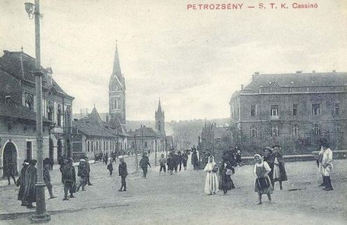 Petrozsény:kaszinó és református-katolikus templomok.1911