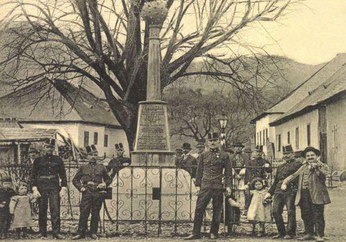 Vulkán:ércbuzogány emlékmű,1455-ben a török felett aratott győzelem emlékére,1908