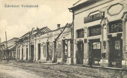 Vulkán:szétlőtt utca a román katonák betörése után,1917.