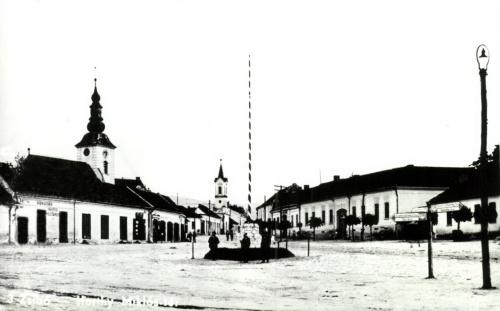 Zsibó:országzászló a Horthy Miklós téren,1944.
