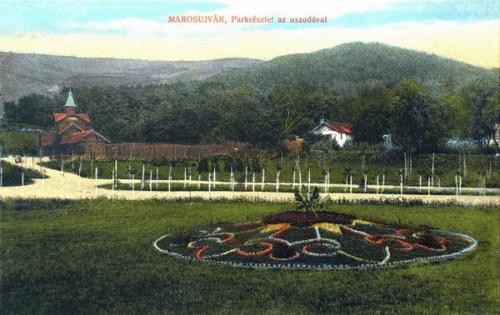 Marosújvár:park az uszodával.1915
