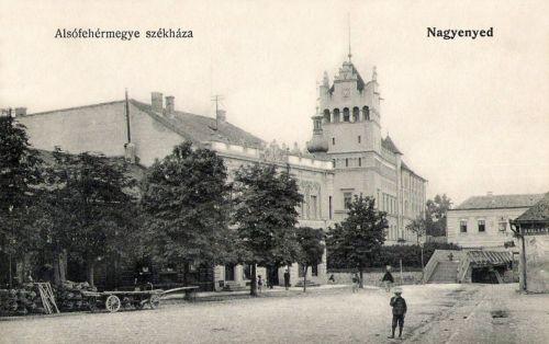 Nagyenyed:vármegyeháza.1915