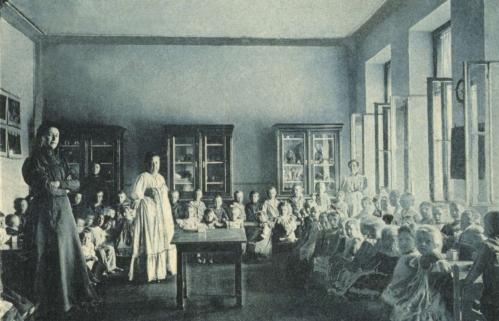 Nagyenyed:kisded óvoda,foglalkozó terem,1909-ben.