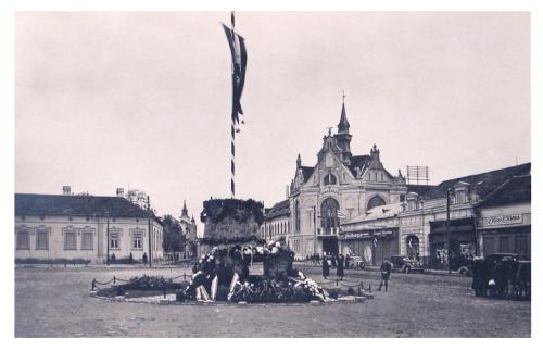 Nagyszalonta:országzászló.1943