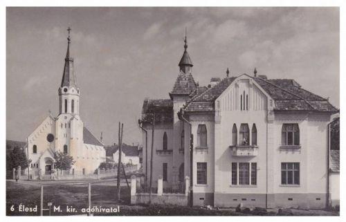 Élesd:Magyar Királyi Adóhivatal és katolikus templom.1941