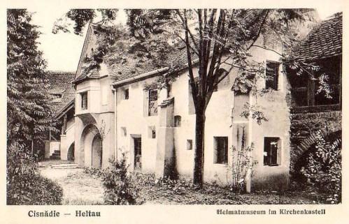 Nagydisznód:Múzeum a vártemplom udvarán.1933