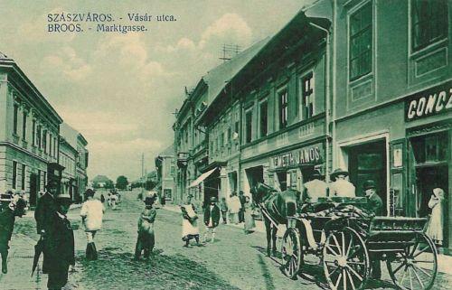 Szászváros:Vásár utca üzletekkel.1911
