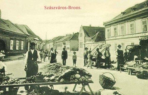 Vásár a piacon,jobbra Hrubiány Gy. üzlete,1906.