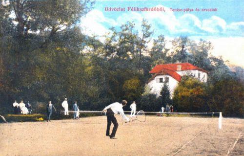 Felixfürdő:tenis pálya és orvosi lak.1913