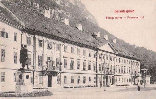 Herkulesfürdő:Ferencz udvar,balra a Herkules szobor.1908