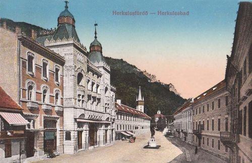 Herkulesfürdő:főtér a szállodával és a Herkules szoborral.1913
