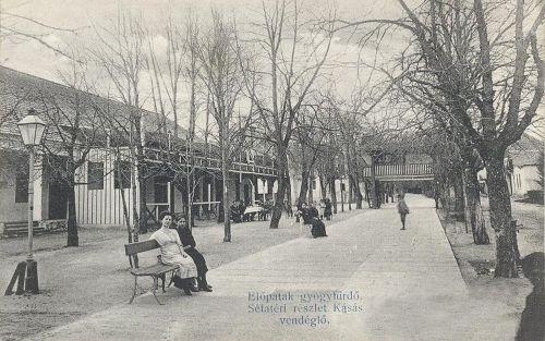Előpatak-gyógyfürdő:sétatéri részlet és a Kásás vendéglő.1910