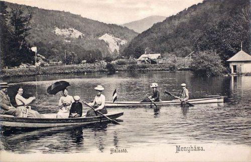 Menyháza:halastó csónakázókkal.1904