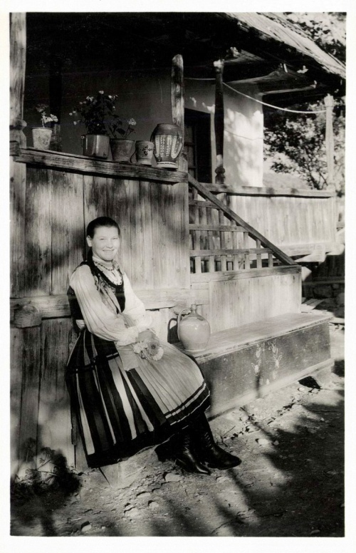 Csikfitód:székely leány,1942.