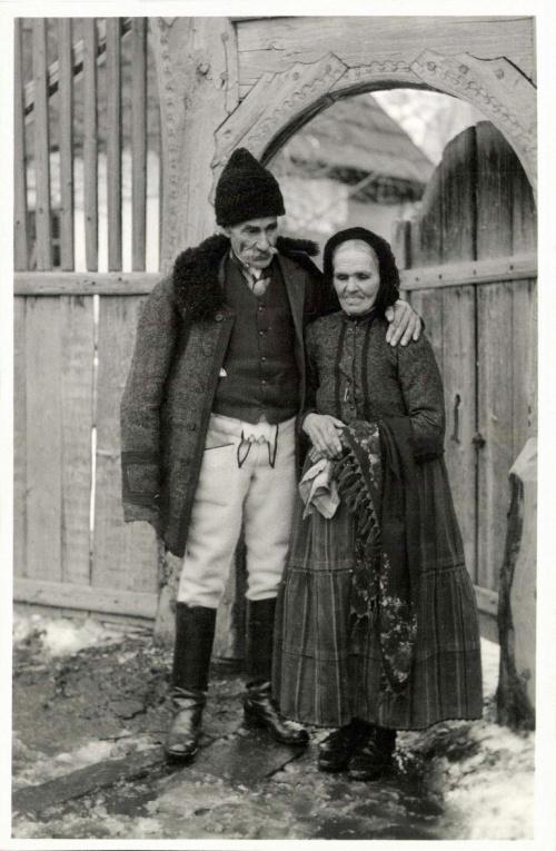 Csikménaság:idős székely pár,1942.