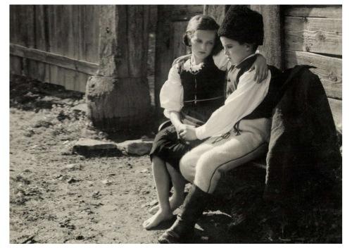 Csiktaploca:székely leány és fiú,1942.