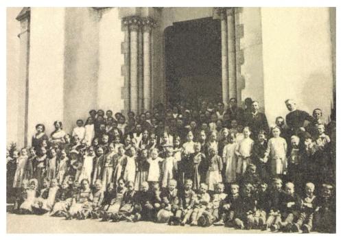 Gyergyóditró:katolikus elemi iskola növendékei,1913.
