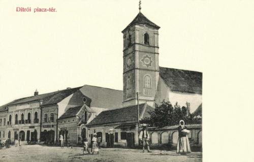 Gyergyóditró:piac tér és a régi katolikus templom,1907