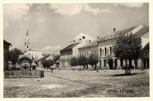 Ditró:főtér,1942