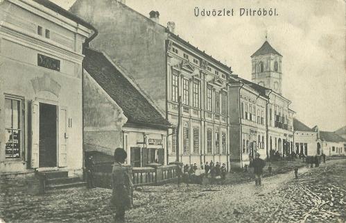 Gyergyóditró-Ditrau:Fő út a régi katolikus templommal,1906.