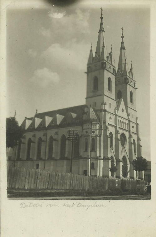 Ditró:katolikus templom,1944.