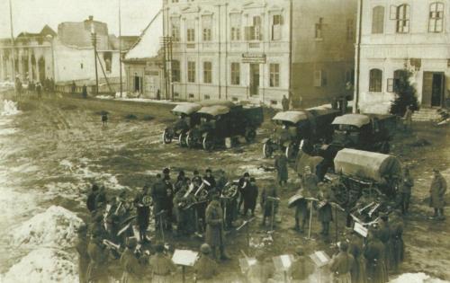 Gyergyóditró:zenekar a főtéren,1917.