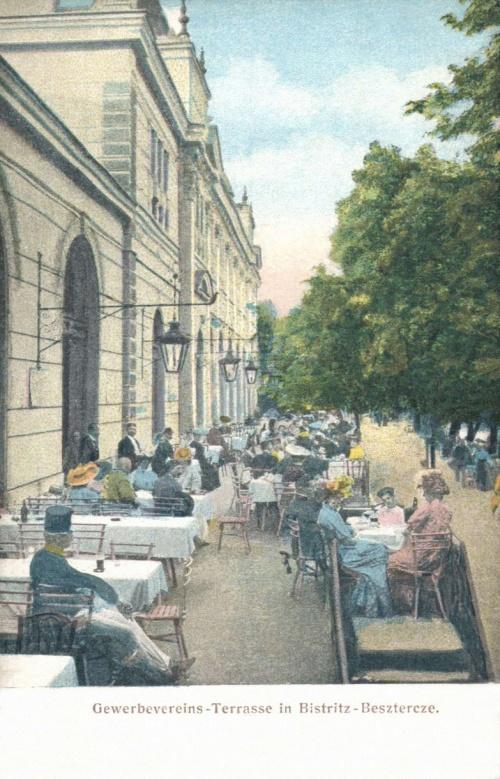 Beszterce:Iparos Egylet terasza,1907