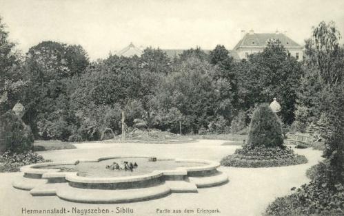 Nagyszeben:Erlenpark a szökőkúttal és a katonai korházzal,1910.