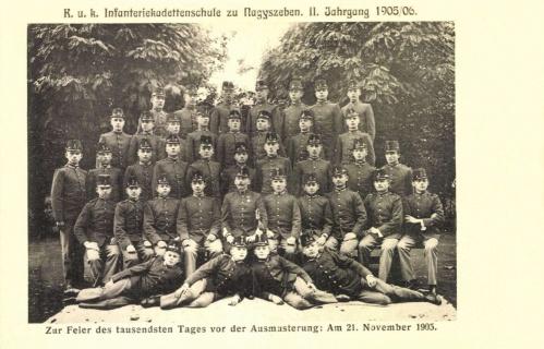 Gyalogsági hadapród iskola végzős növendékei,1905.