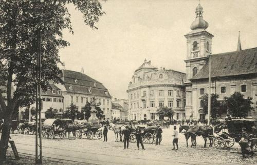 Nagyszeben:Nagypiac,hintók,szekerek,1916.