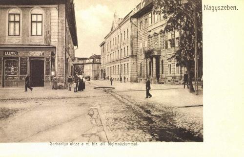 Sarkantyú utca és Magyar Királyi Állami Főgimnázium,1906.
