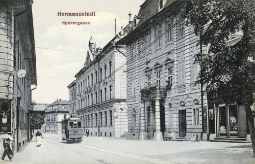 Nagyszeben:Sorergasse és villamos,1908.