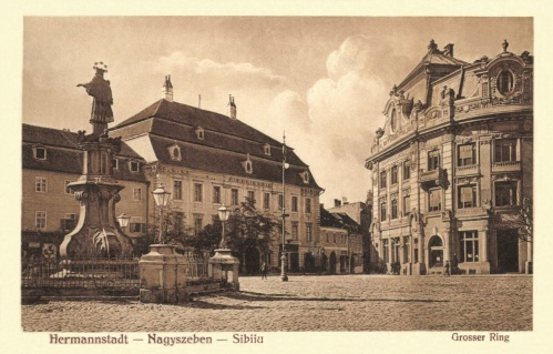 Nagyszeben:Szentháromság szobor és Brukenthal palota,1916.