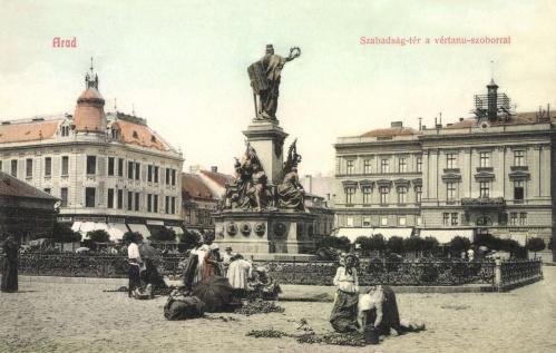 Arad:Szabadság-tér vértanú szobor és piac,1908.