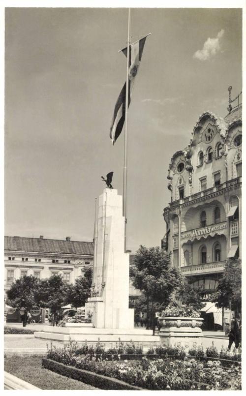 Nagyvárad:országzászló.1942